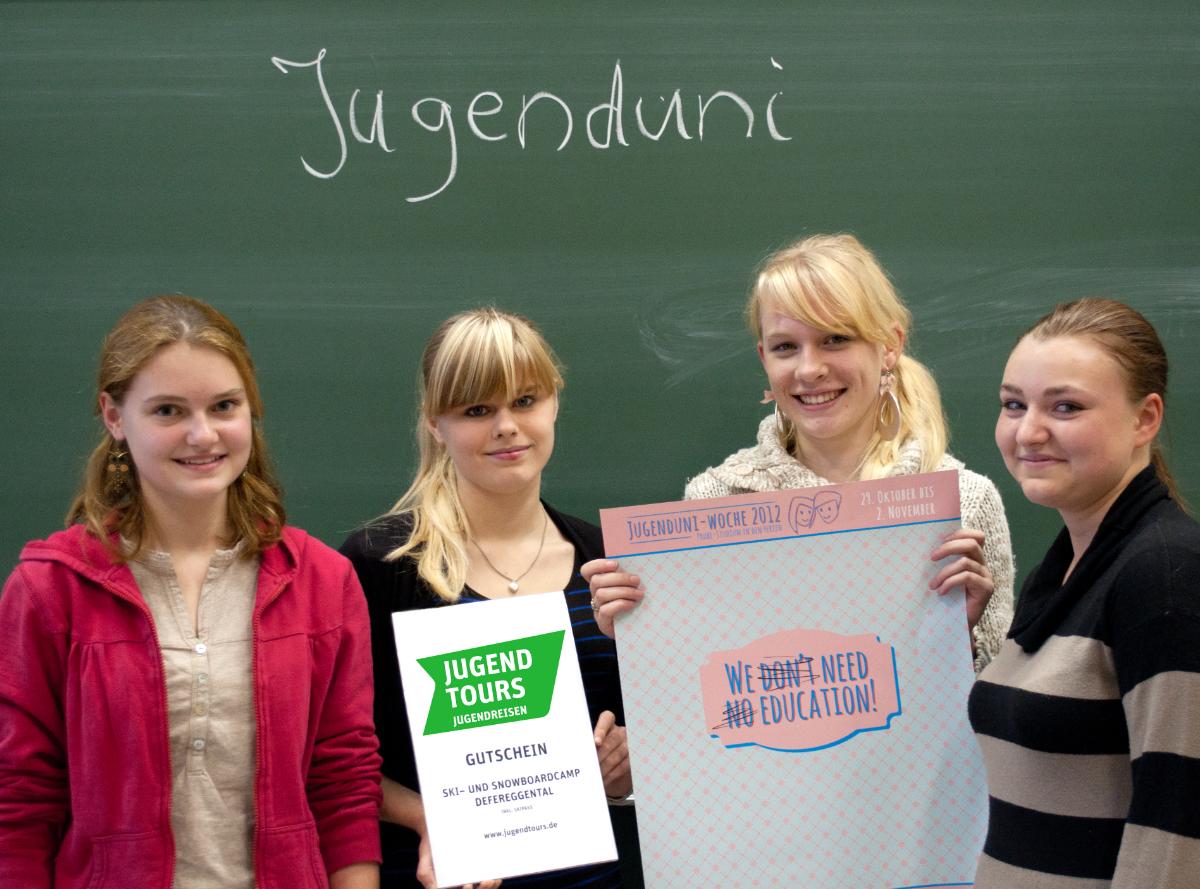 Karriere startet in Halle: Gewinnerinnen Schnupperstudium 2012