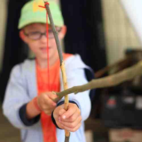 Unser Indianerprogramm - Wie schieße ich mit Pfeil und Bogen?