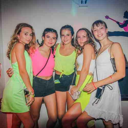 NEON Party Teensclub