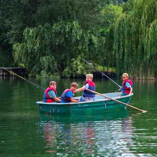 Angelcamp - Angeln vom Steg, Boot oder am See