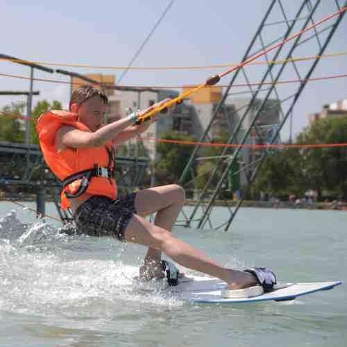 2- oder 3-Tages-Upgrade Wasserski- oder Wakeboardkurs